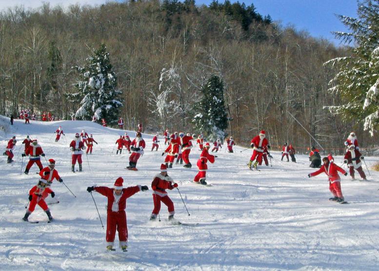 Santas on skis