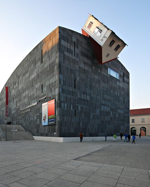 Erwin Wurm House Attack ( Viena , Austria )
