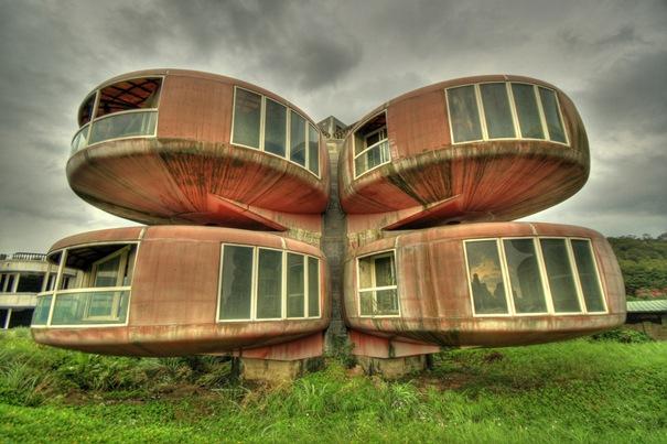 The Ufo House ( Sanjhih , Taiwan )
