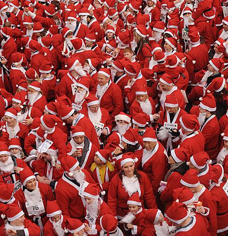 13000 Santas